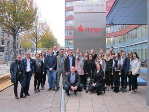 Vermögen und Schuhgröße – Besuch bei der Haspa und  bei Donner & Reuschel