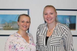 Zwei Praktikantinnen an unserer BBS